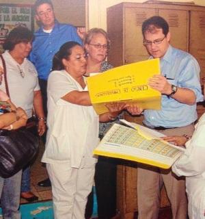 Nicaragua - 2014 Joe and Ann Look at Charts with Nurses V v3